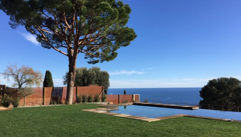 Stage de yoga en Espagne sur la Costa Brava à la Villa Pi Blau !